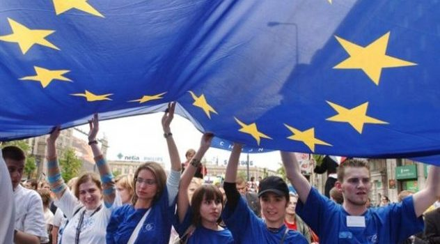 2013: THE EUROPEAN YEAR OF CITIZENS